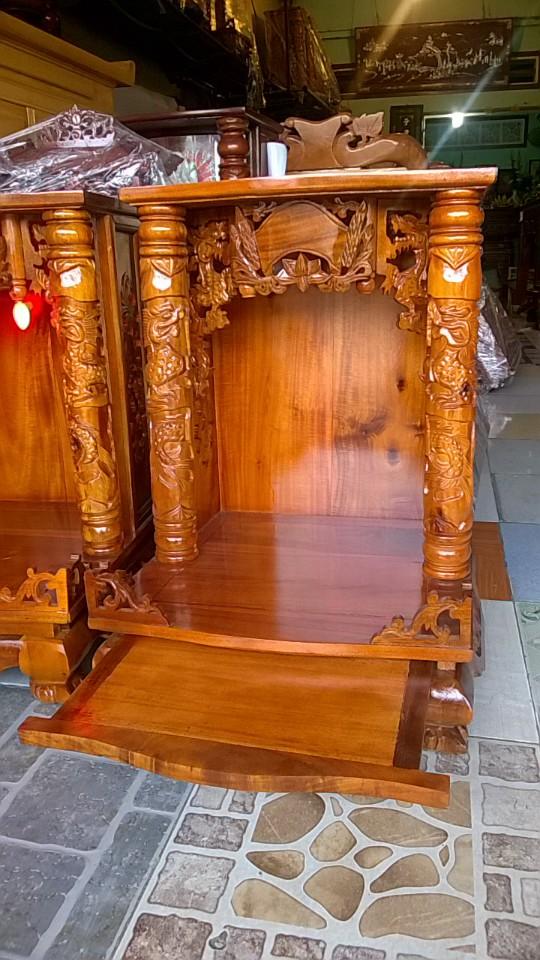 Bàn thờ ông địa thần tài gỗ tự nhiên 68cm x 48cm