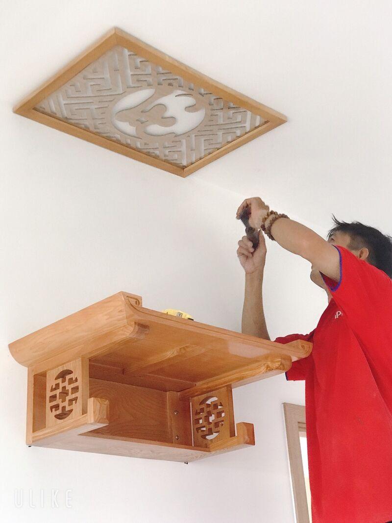Combo bàn thờ treo tường gỗ sồi ms a2 ( tặng tấm chống ám khói )